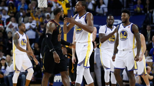 Durant in command as Warriors down Cavs