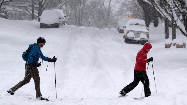 Snowed-in South Makes the Best of Day Off From Work, School