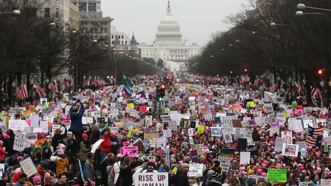 Women's Marches Against Trump Receive Award From PEN