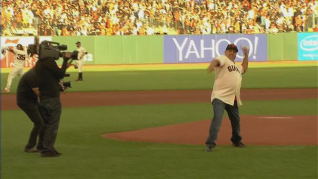 Man Who Caught, Gave Back Travis Ishikawa's Walk-Off Home Run Ball Throws Out First Pitch at World Series Game 3