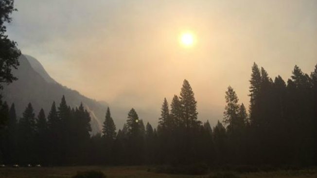 """Yosemite """"Meadow"""" Fire at 4,400 Acres; Air Quality Deteriorates"""