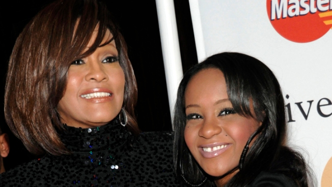 Bobbi Kristina Not Engaged: Just Wearing Mom's Ring