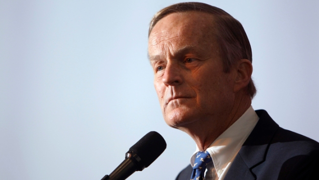 """Akin Vows to Stay in Race After """"Legitimate Rape"""" Gaffe"""