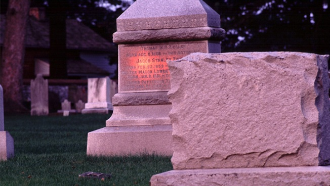 California Cemeteries Work to Cope with Drought
