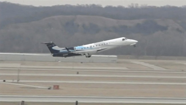 Plane carrying former President Obama lands at Eppley Airfield