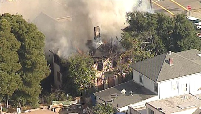 One-Alarm Fire Destroys Empty Victorian House in Oakland