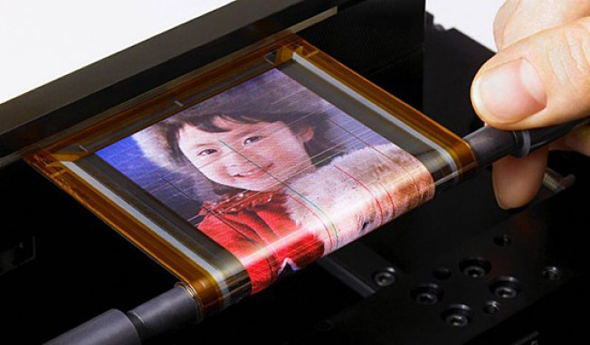 Sony Builds Astonishing Roll-Up OLED Display of the Future