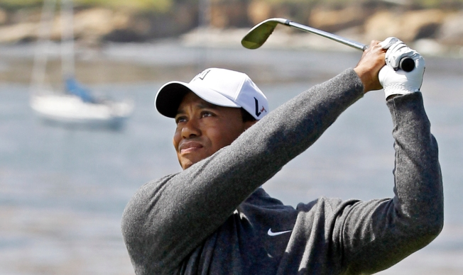 Woods, Mickelson Have Tough Time at Pebble Beach