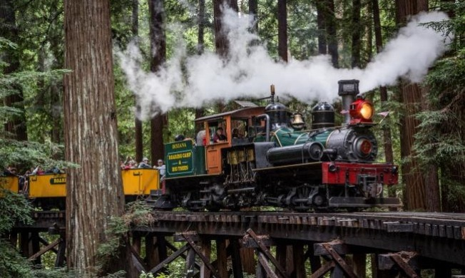 Roaring Camp: Delivering Letters to Santa