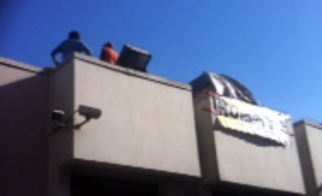 Occupiers Protest Foreclosures From Wells Fargo Roof in San Francisco