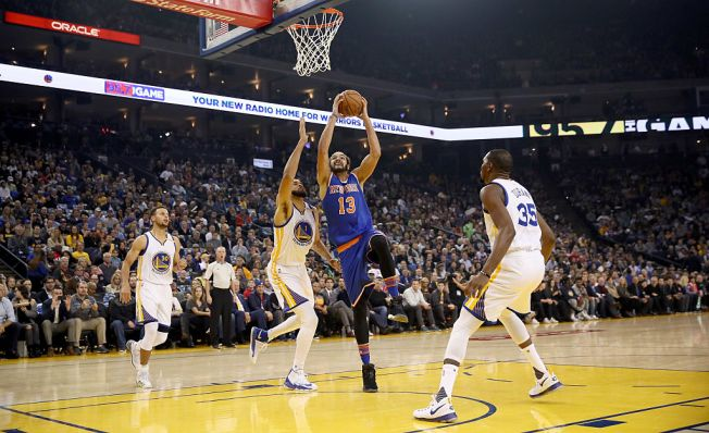 Klay Thompson Leads Warriors in Rout of Shorthanded Knicks