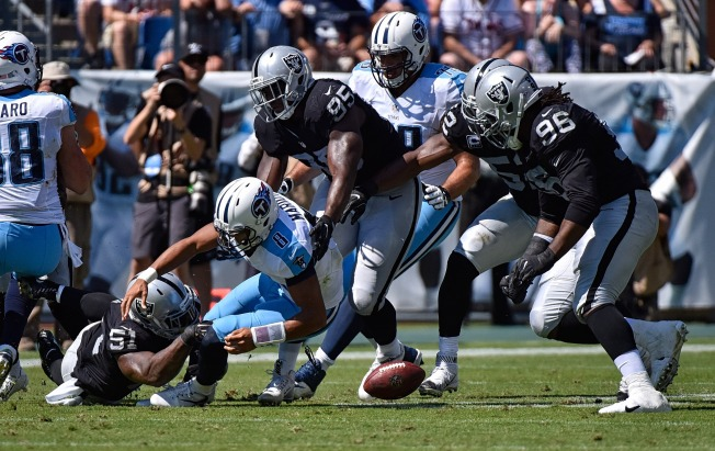 Raiders Hang on to Beat Titans, Improve to 2-1