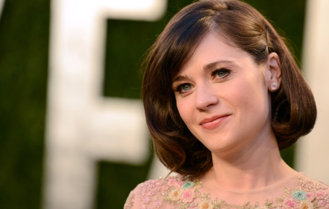 Zooey Deschanel Gets Apology From Closed Captioning Company After Boston Manhunt Snafu