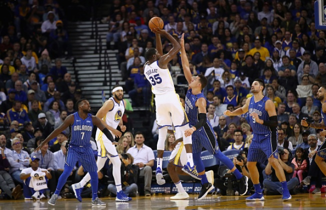 Warriors Run Away From Magic For Seventh Straight Win