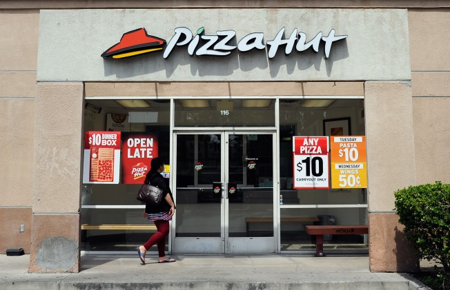 Pizza Hut to Slice Out More Artificial Ingredients