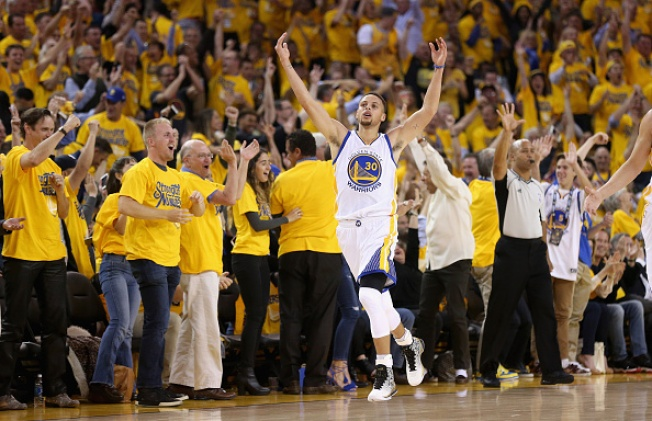 Warriors Close Out Blazers, Advance to Western Conference Finals