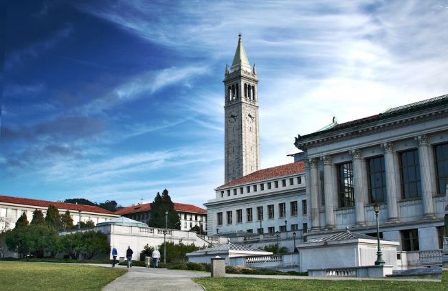 UC Berkeley Libraries Ban Man for 'Depositing' Lice in Campus Public Restrooms