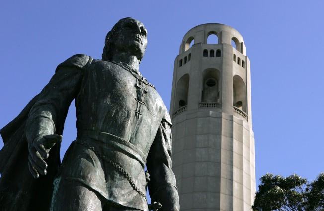 Coit Tower Looking for Foodies