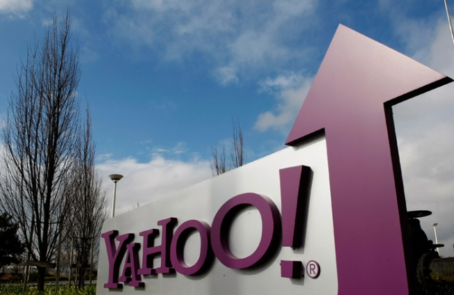 Yahoo to Offer Groupons