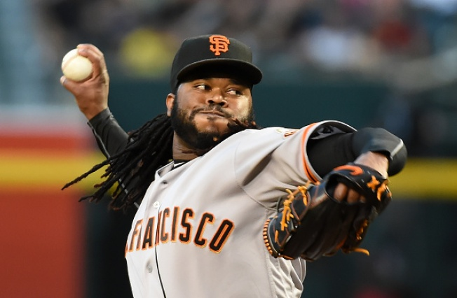 Cueto, Pence Go Deep as Giants Top Padres