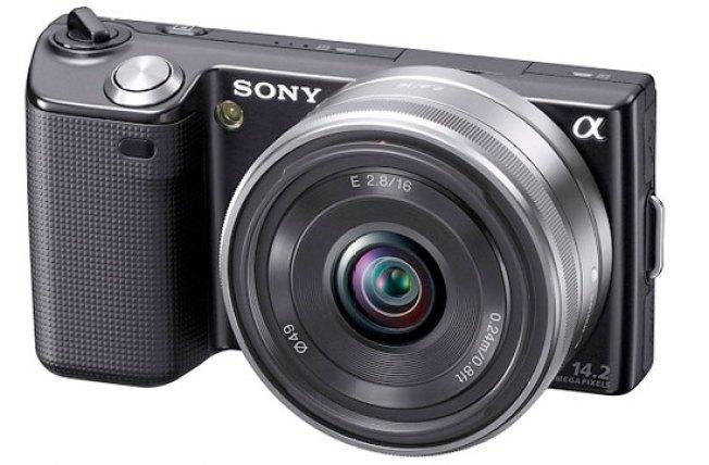 Sony NEX-5 Combines Super-Slim Camera Bodies With Huge Lenses