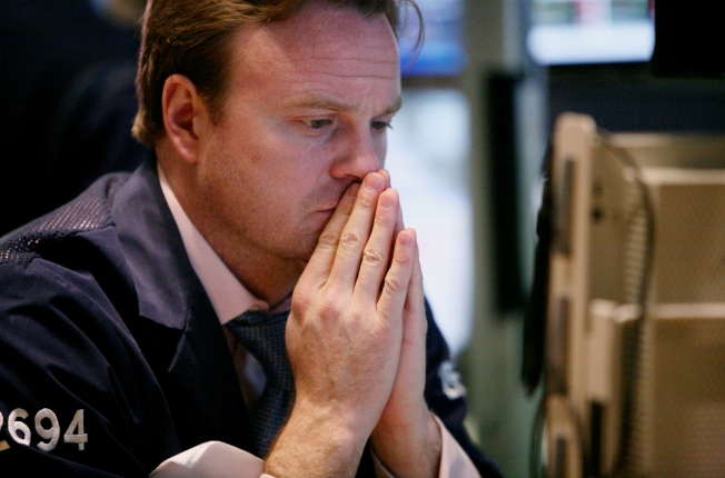 Wall Street Braces for First Full Week of '09
