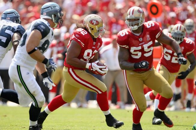 Niners' Tukuafu is Opening Holes With Crushing Blocks