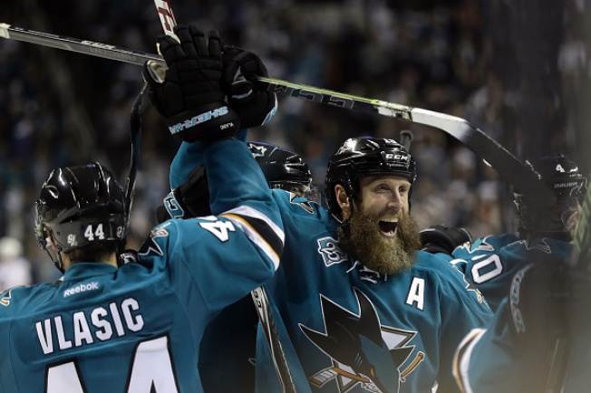 #BayAreaUnite: Bay Area Pro Sports Teams Cheer on San Jose Sharks