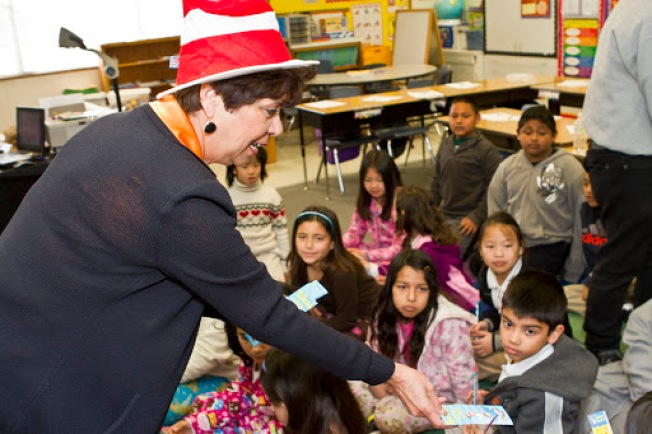 Read Across America Day Volunteer Opportunity