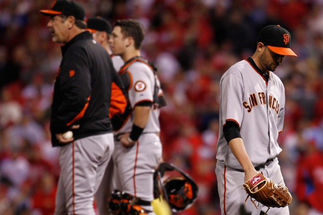 Giants Come Home with Series Tied 1-1
