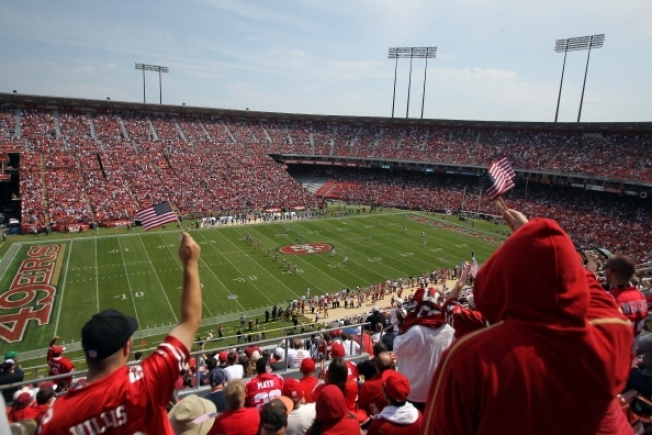 49ers Fans Asked to Remember Candlestick
