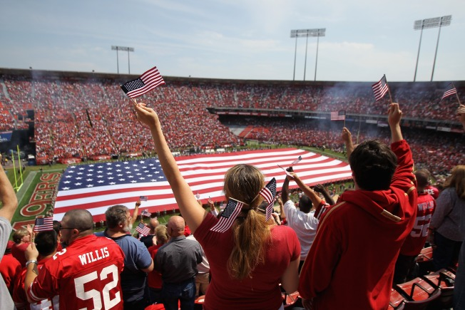 49ers Encourage Fans to Arrive Early for Monday Night Football