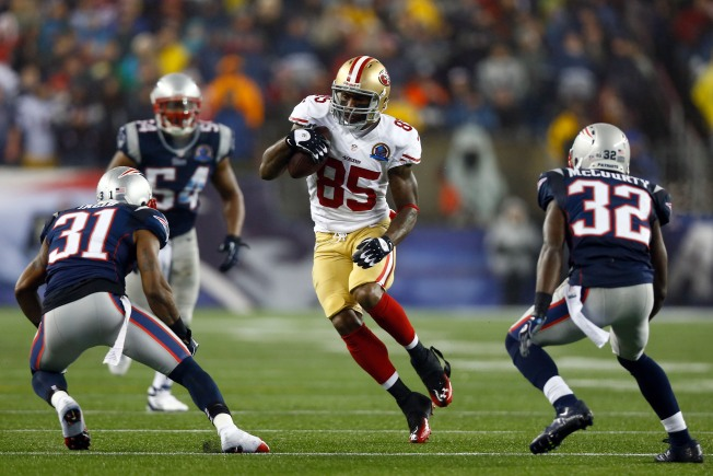 Niners' Vernon Davis Has Disappeared