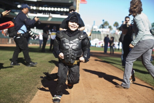 Batkid and Spider-Man Hang Out in Disneyland After Oscars Snub