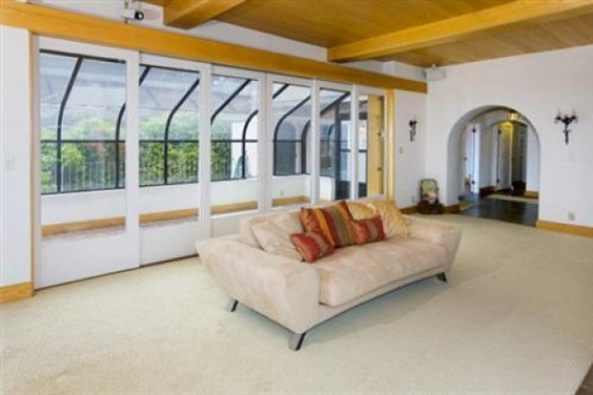 On the Market: Keeping it Old School in Telegraph Hill