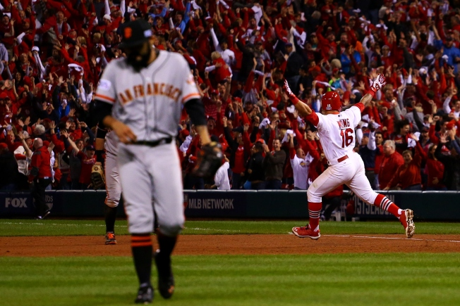Late Homers Sink Giants in NLCS Game 2, Series Tied 1-1