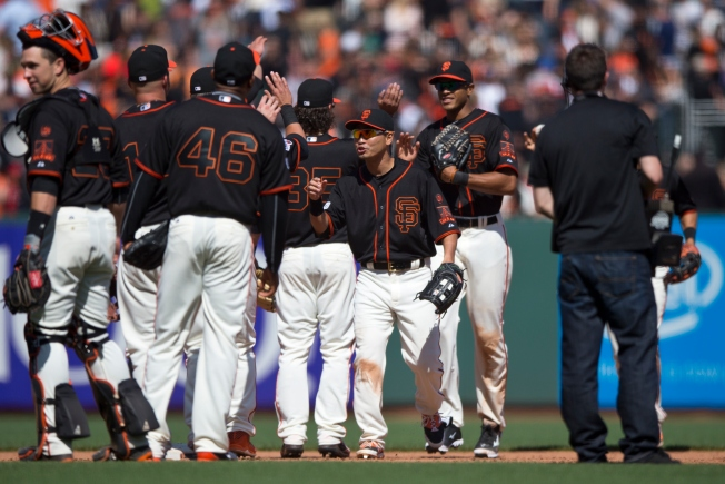 Posey, Crawford Homer in Giants' 5-4 Win over Angels