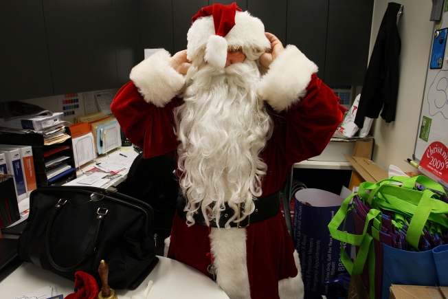 Joke Costs Santa His Union Square Job