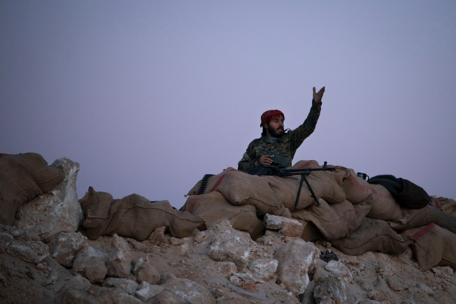 From Syria, ISIS Slips Into Iraq to Fight Another Day