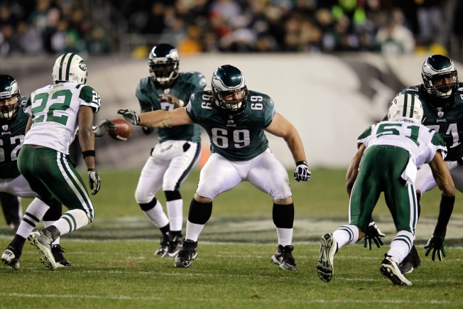 Niners Considering Offer to Pro Bowl Guard Evan Mathis