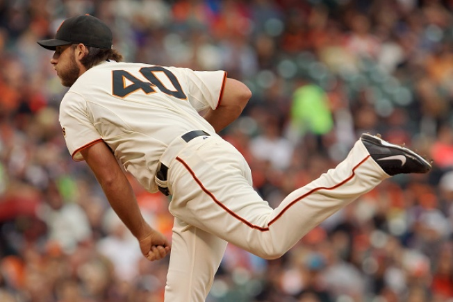 Madison Bumgarner Nearly Perfect in Giants' Victory Over Padres