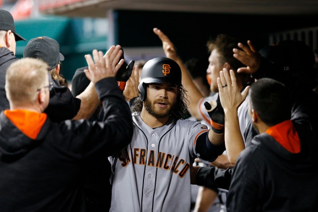 Giants Slug Their Way Back to Beat Reds in Cueto's Return