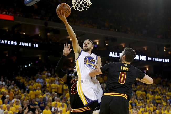 NBA Finals: JR Smith nails 3-pointer from Cavaliers logo