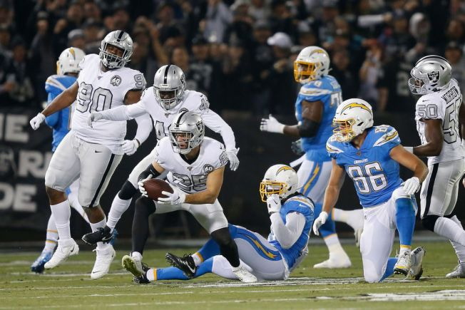 Raiders' Harris Took a Long Route to Starring Role