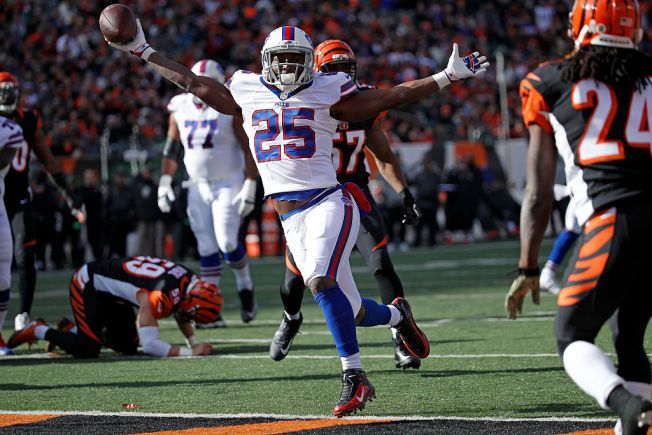 Bills receiver Watkins held out of practice due to sore foot