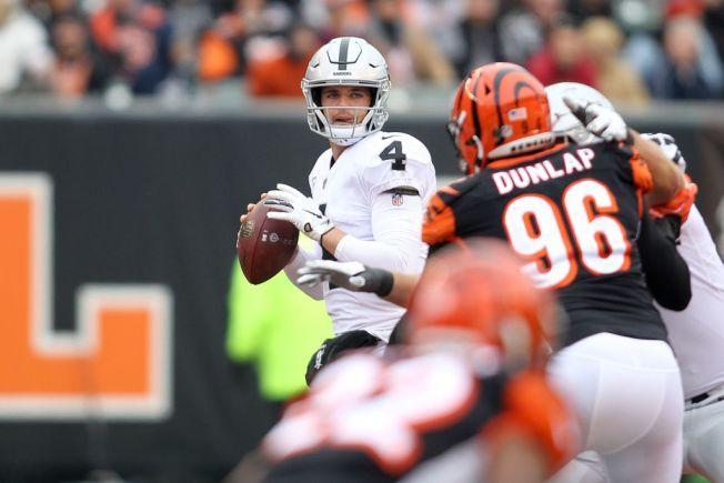 Surprise! Raiders' Derek Carr Is NFL's Most Accurate Deep Passer