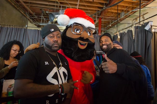 Marshawn Lynch,  Baron Davis, Too Short Host Black Santa in Oakland