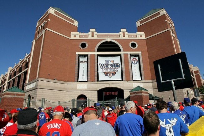 LIVE BLOG: Giants vs. Rangers Game 5