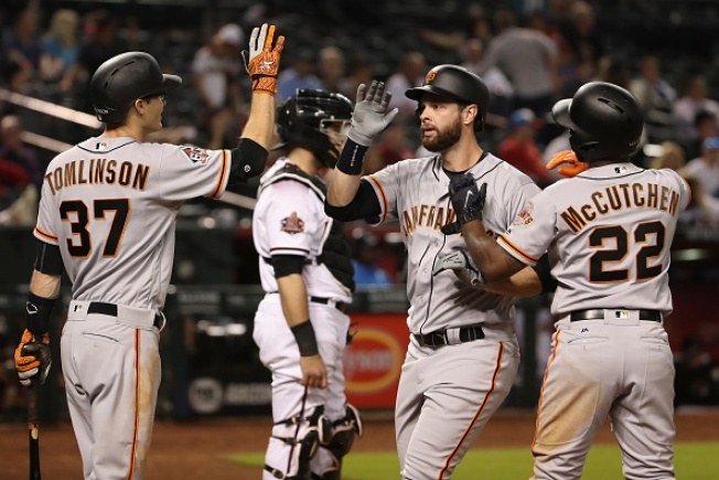 Belt Homers in 10th to Lift Giants Over Diamondbacks