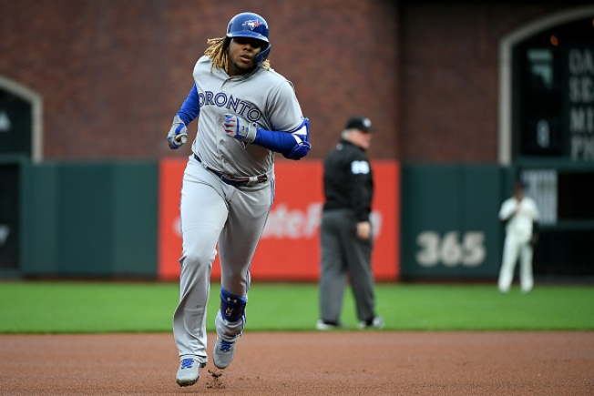 Vlad Jr., Blue Jays Power Past the Giants